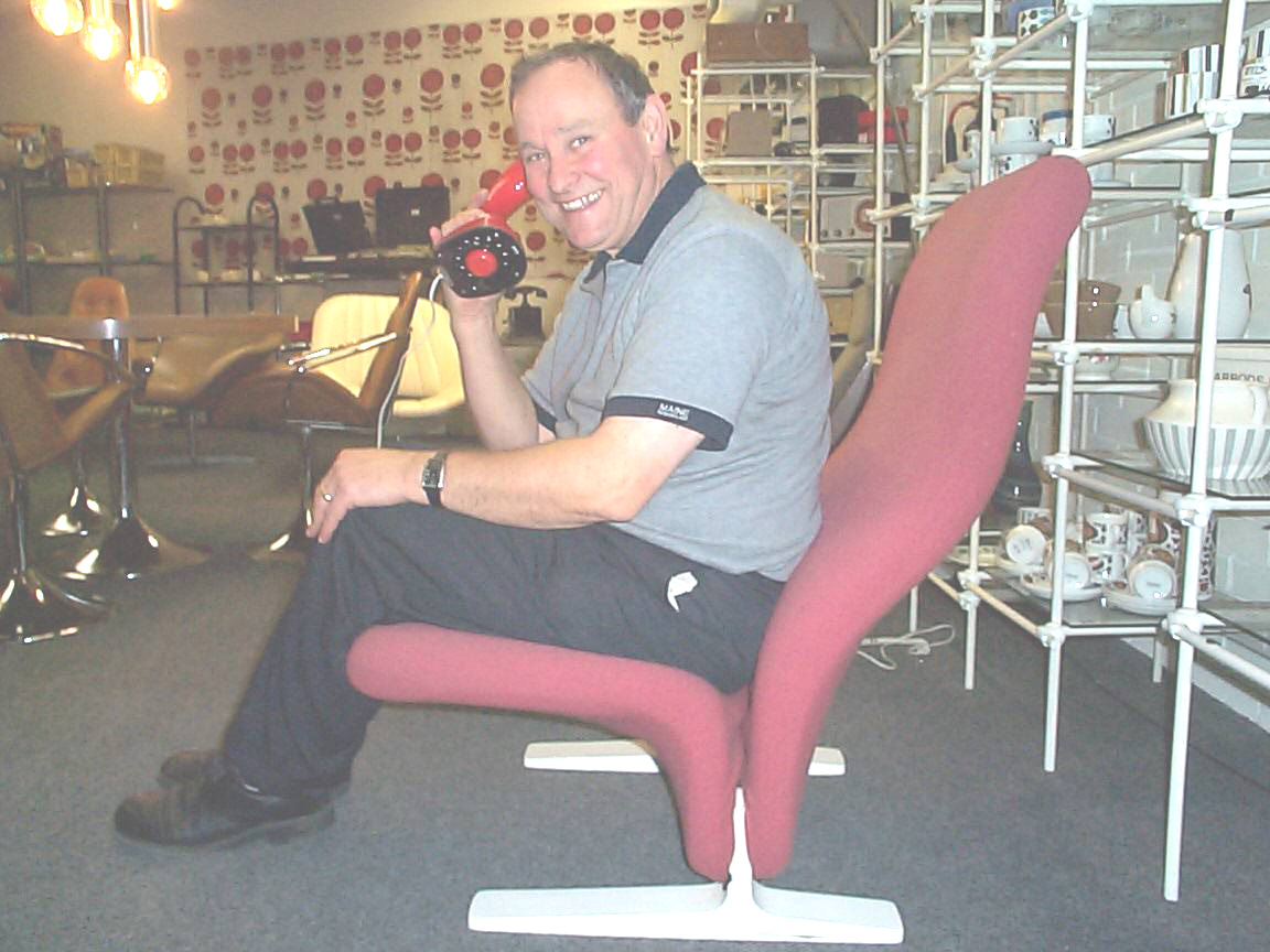 Allan Blackburn with Cobra Phones on the Retro Stand